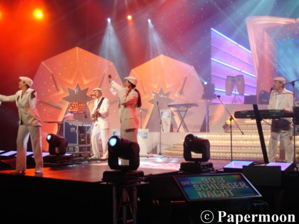 Papermoon live on stage